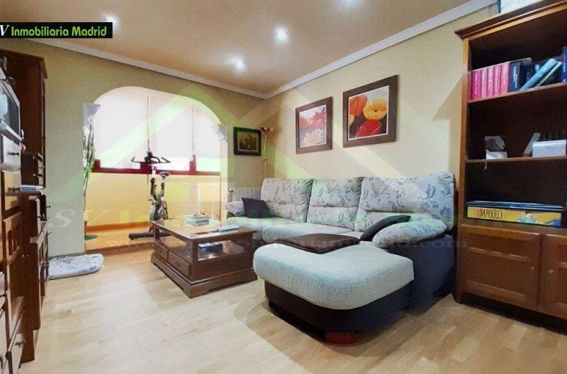 Piso en Madrid de Tres Dormitorios Reformado Ascensor y Al lado del Metro