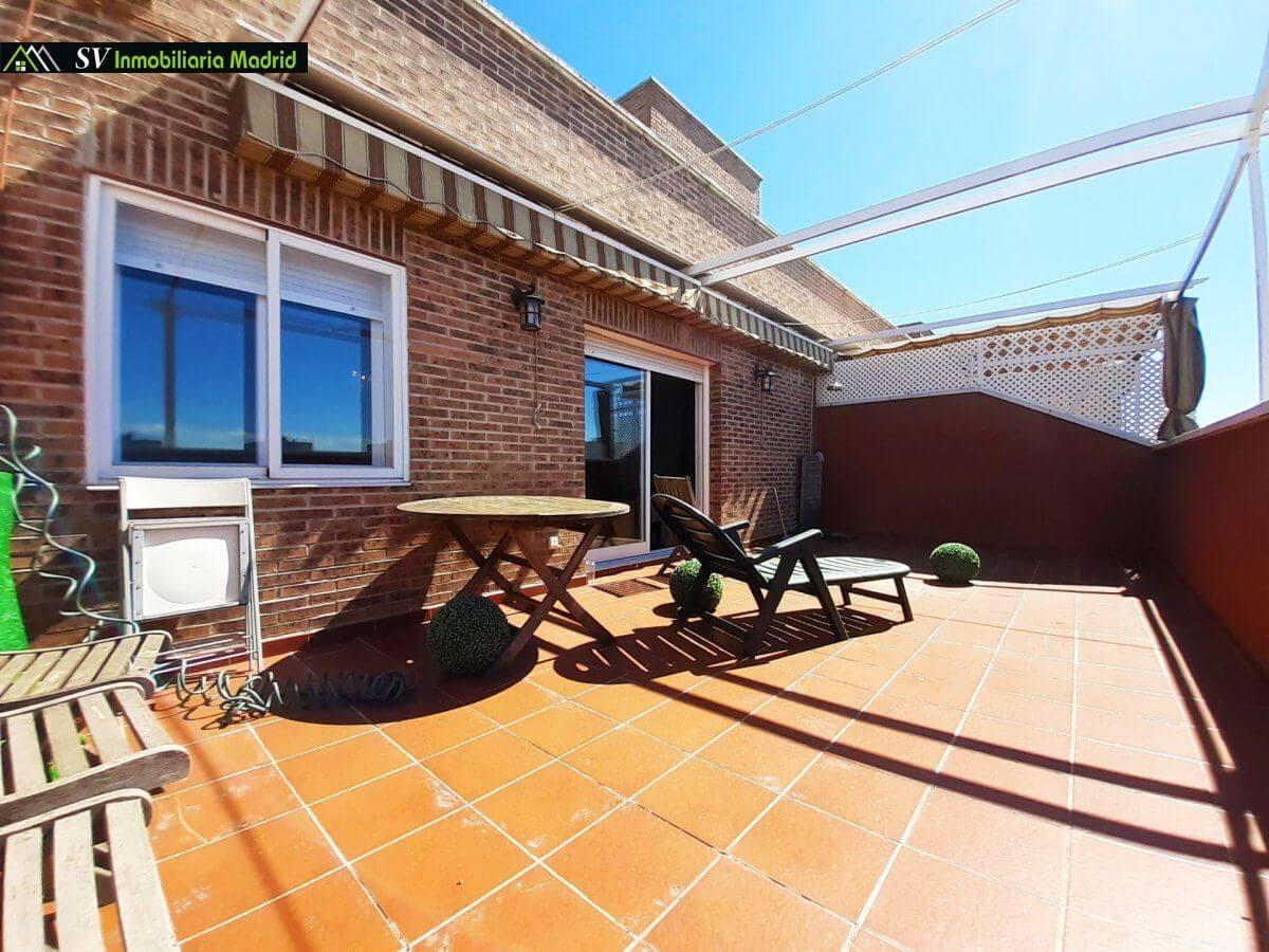 Ático en Urbanización con terraza de 30m2 Piscina Ascensor y Garaje