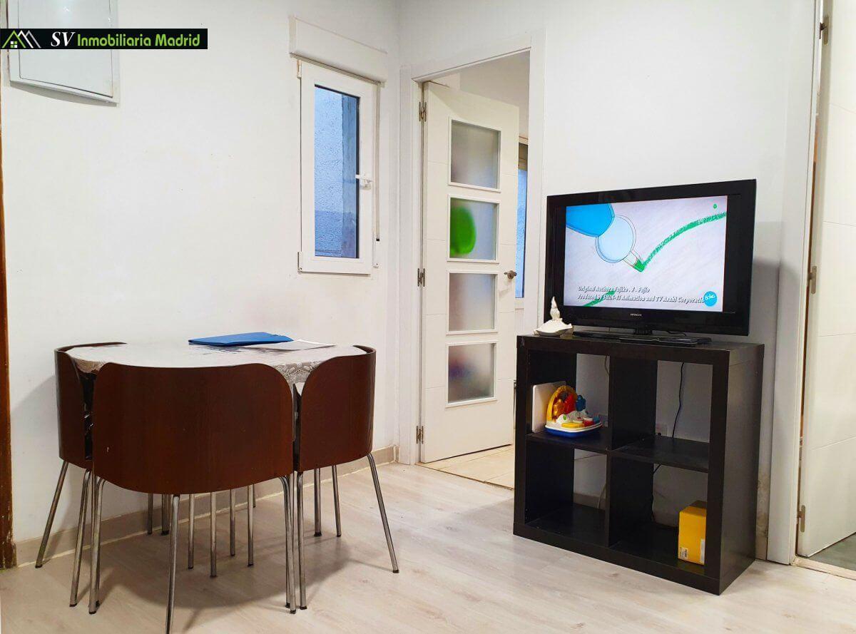 Piso en Madrid de Dos Dormitorios Reformado Cerca del Metro