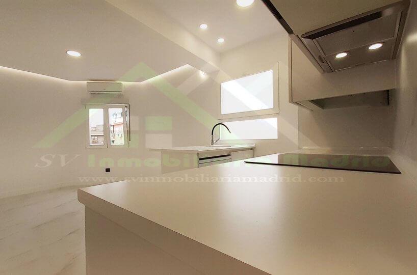 Piso en Madrid de Tres Dormitorios Reformado Al lado del Metro L1
