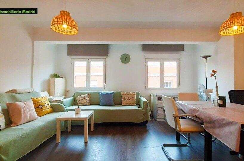 Piso en Madrid Dos Dormitorios Terraza Reformado Ascensor y Metro